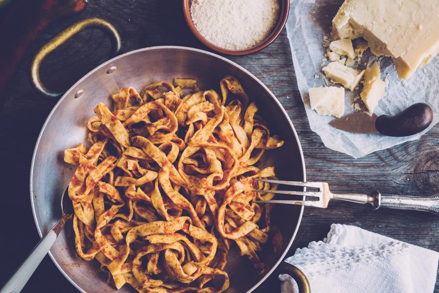 Zo maak je tomatensaus from scratch (en zonder recept!)