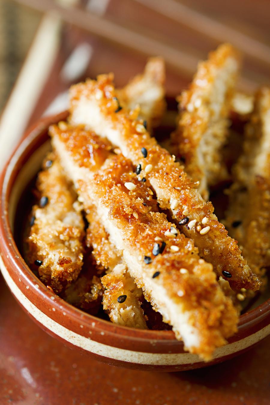 Goddelijke crispy tonkatsu (gefrituurde varkenskoteletjes) – Culy.nl
