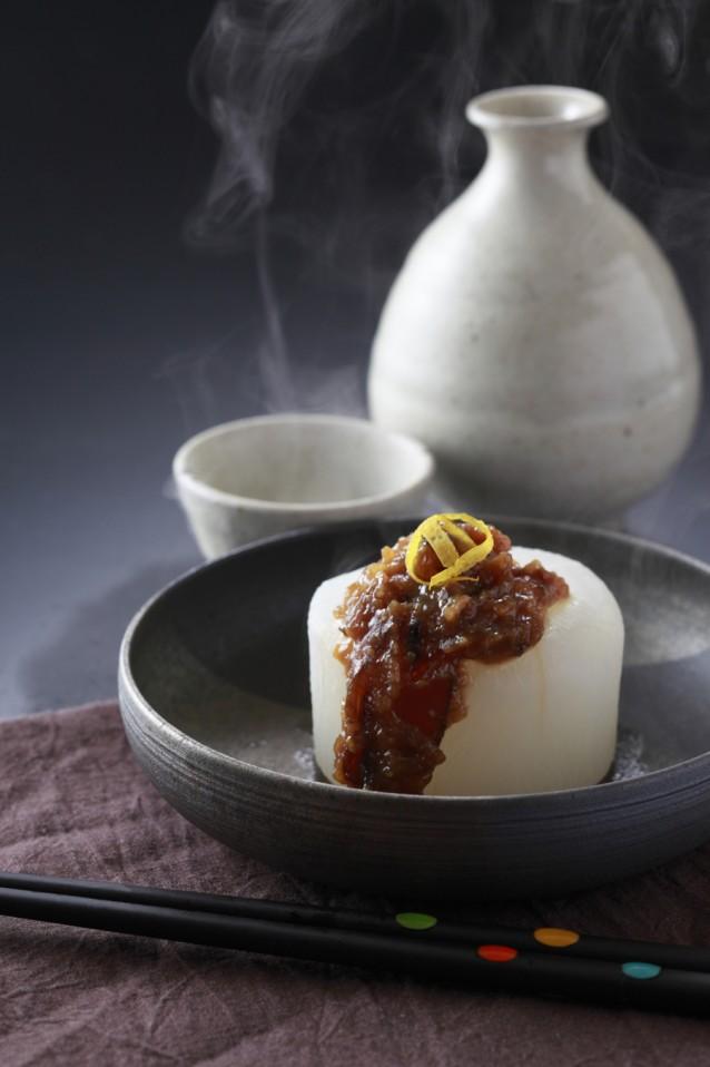 Daikon met sake Japans stock