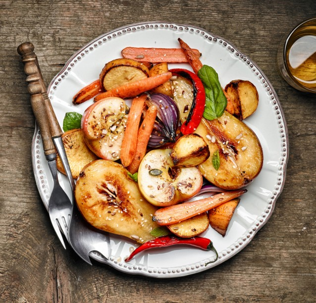 Geroosterde groenten koolrabi stock