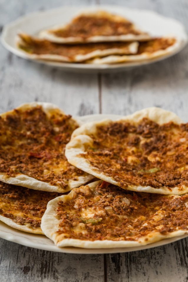 Lahmacun turkse pizza stock