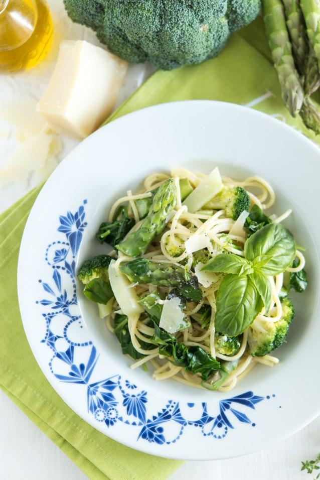 Pasta met groenten knolraap stock
