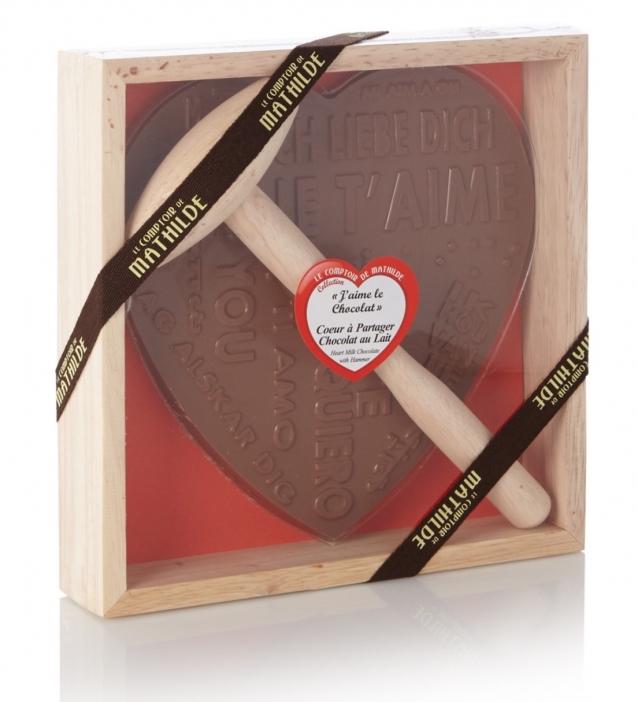 LE COMPTOIR DE MATHILDE Chocoladehart met hamer in houten kistje 300 gram