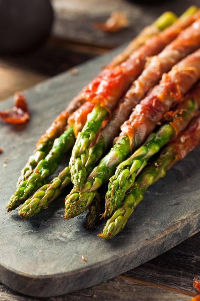 Groene asperges met ham stock