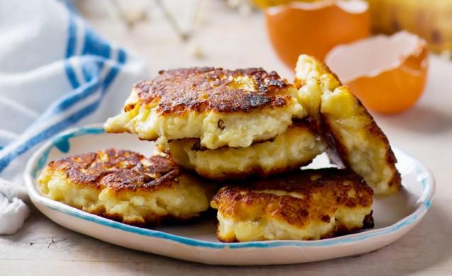 bananen fritters pannekoekjes stock2