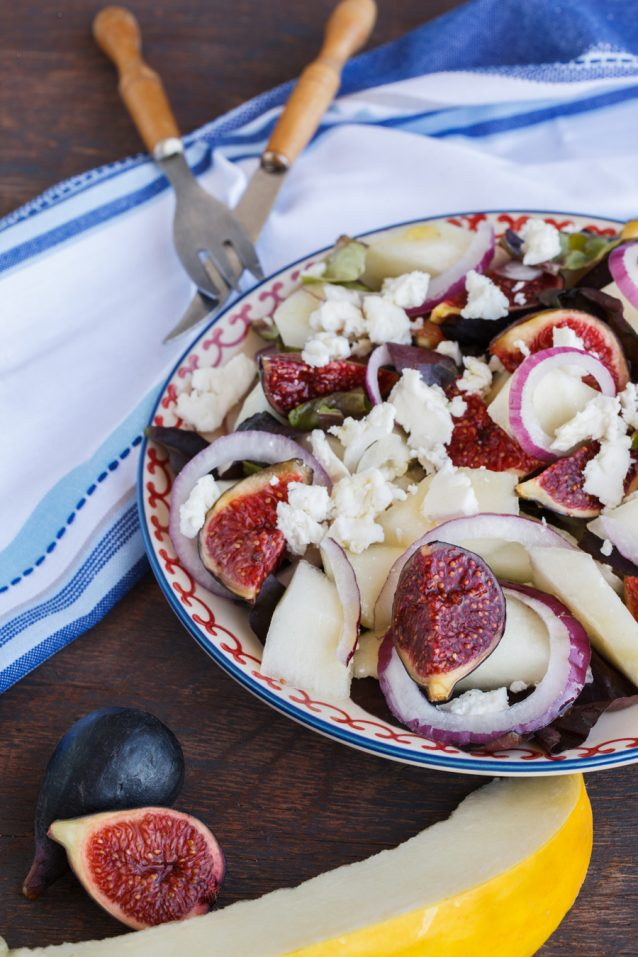 Salad with figs and melon