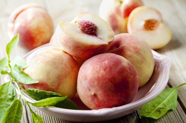 Rjpe perziken stock
