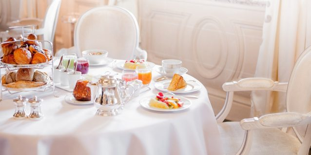 breakfast-at-le-meurice-paris