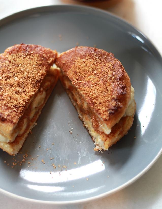 wentelteefjes-met-pindakaas-en-banaan2