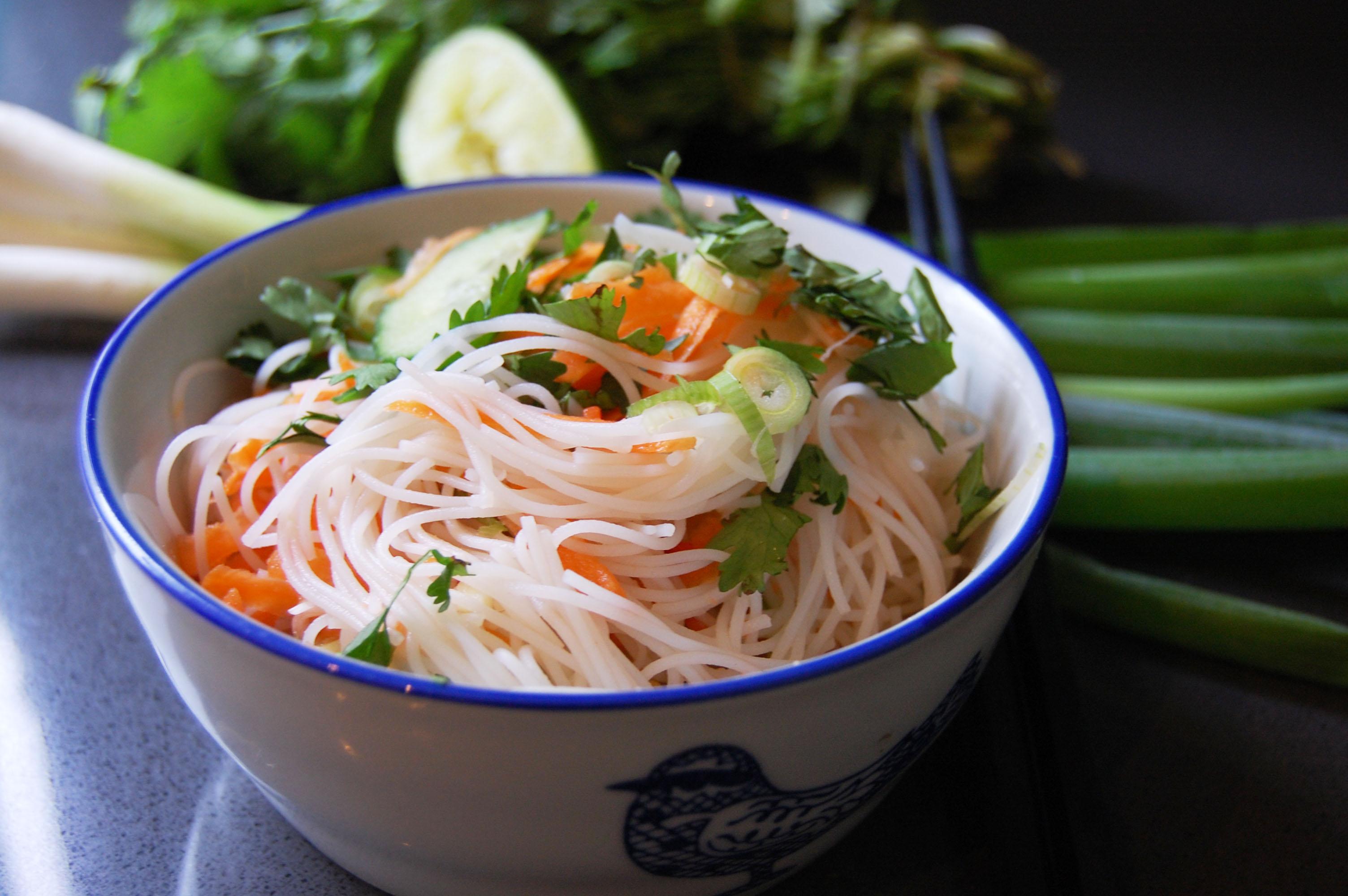 Vietnamese rijstnoedelsalade