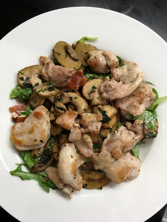 herfstige-salade-met-kip-spekjes-paddenstoelen