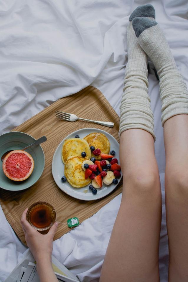 luchtige-ricotta-pancakes-met-sinaasappel-en-maanzaad