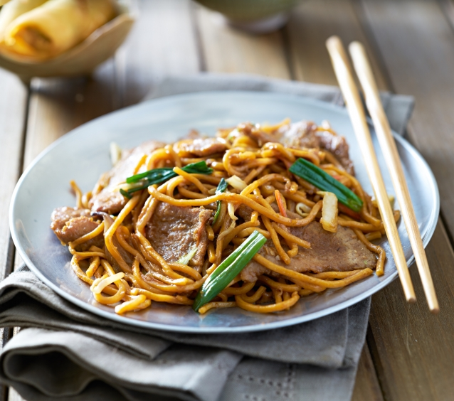 Stock beef lo mein