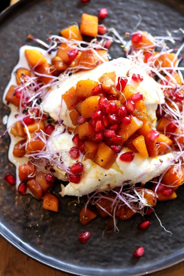burrata met zoet geroosterde pompoen en granaatappelpitjes0006