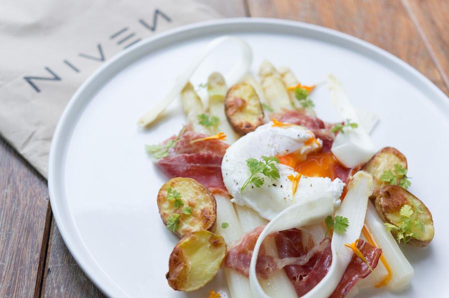 Afbeelding witte asperges van Niven recept