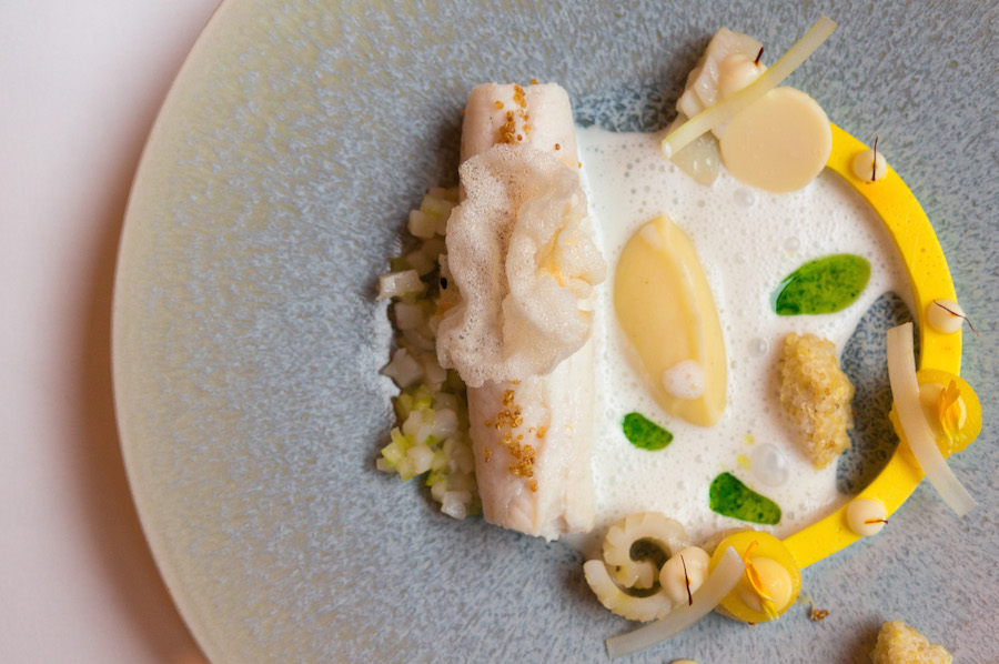 tong saffraan witte curry