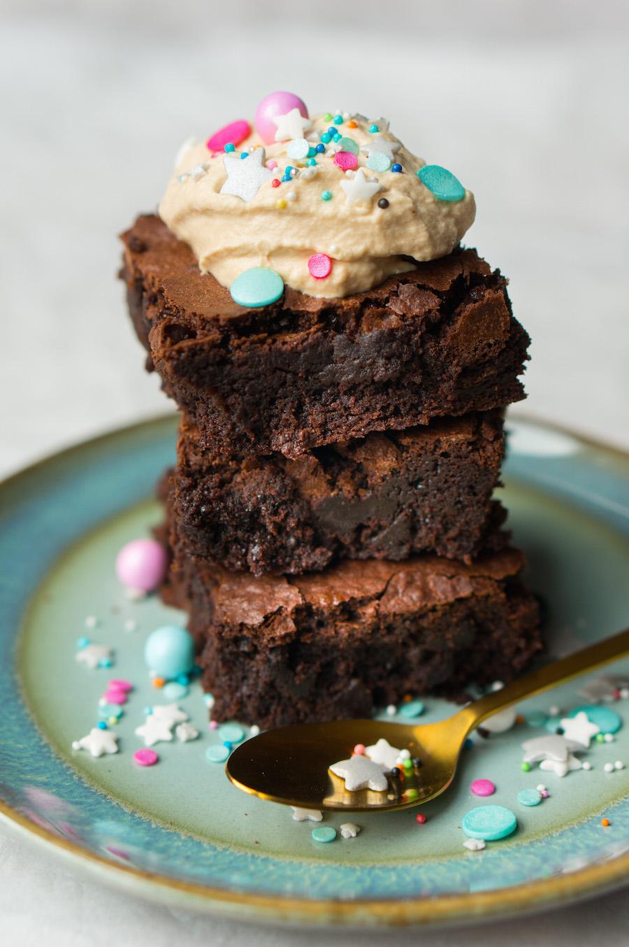 verjaardags brownies met koffieroom