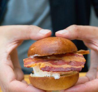 ijssandwich met bacon