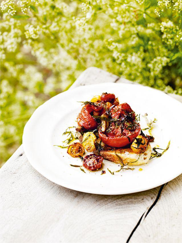 Geroosterde-tomaten-op-toast-met-dragon