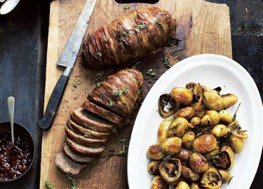 Scandinavisch gehaktbrood met gebakken krieltjes