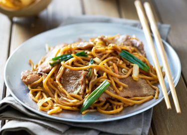 lo mein / Chinese noodles