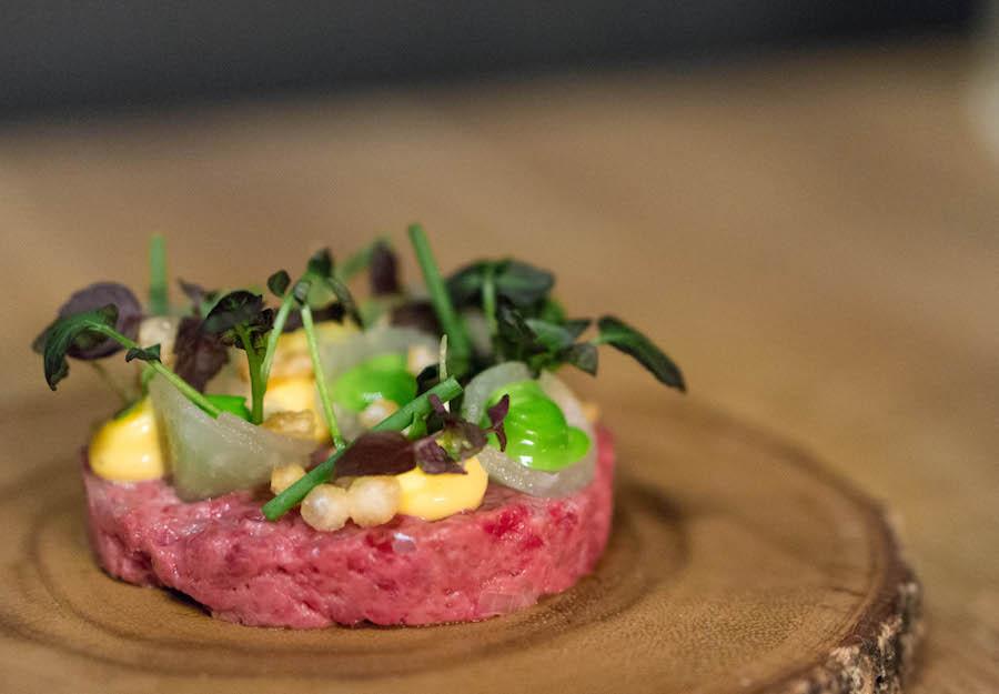 De Zeeuw steak tartare gepoft spek
