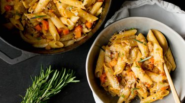 pasta met pompoen uit één pan