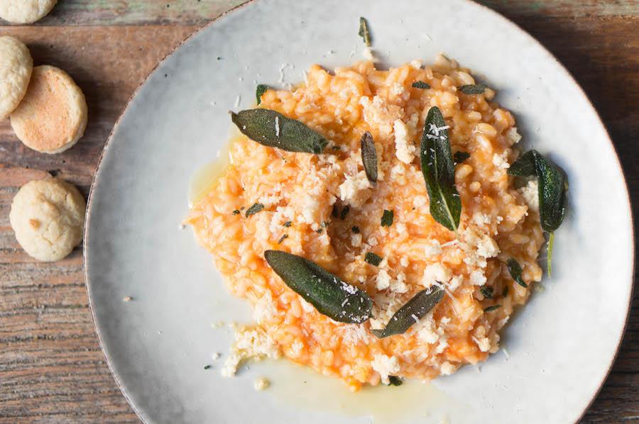 risotto met pompoen en bitterkoekjes
