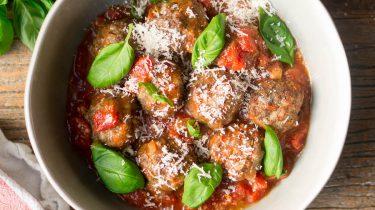 gehaktballen in tomatensaus uit de oven
