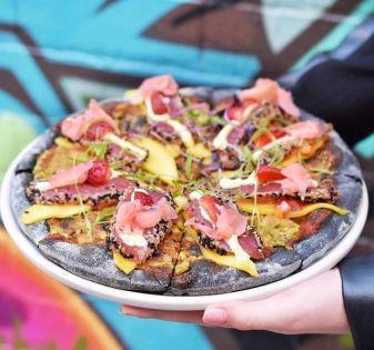 sashimi pizza