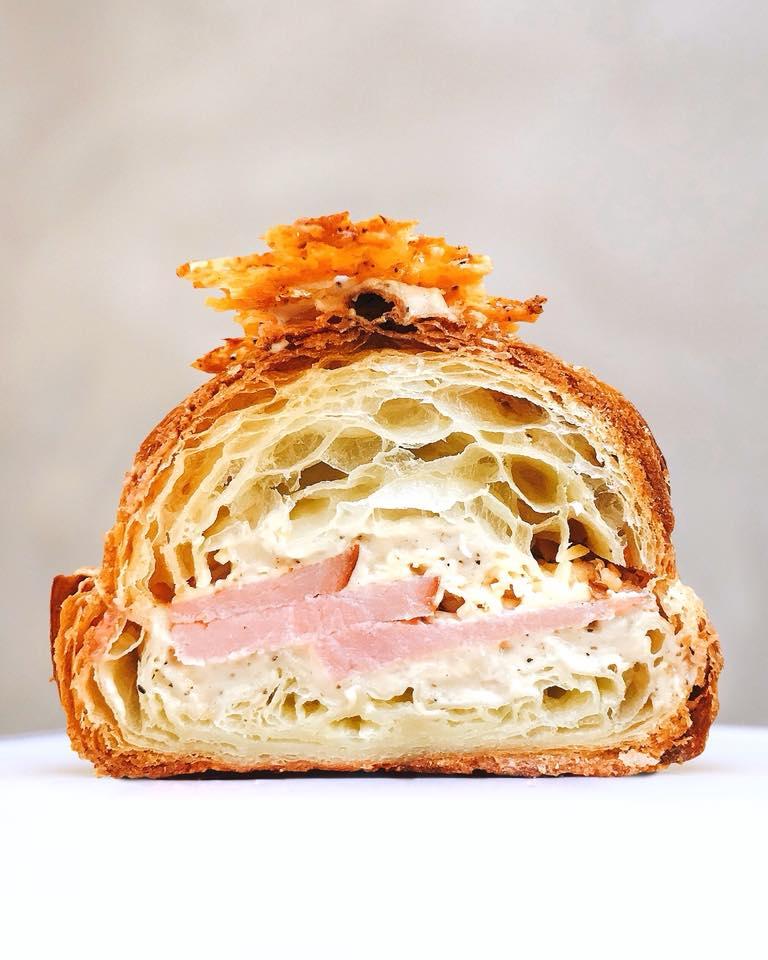 Supermoon Bakehouse ham-kaas croissant