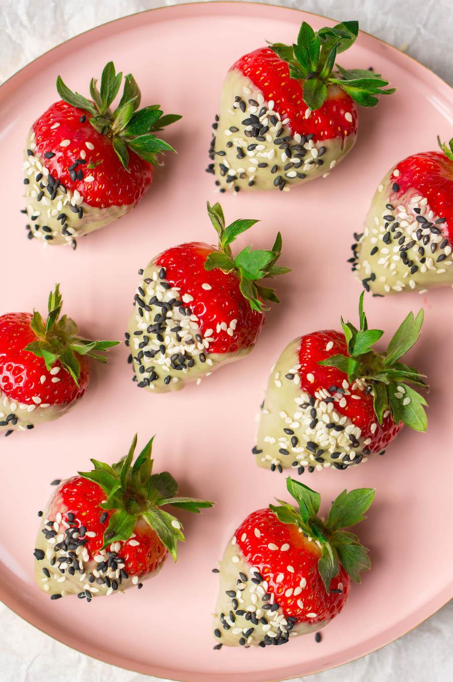 Chocolade aardbeien met matcha