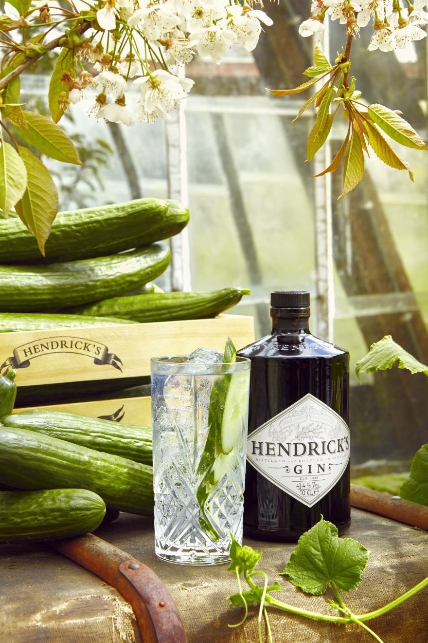 gin tonic betalen met komkommer