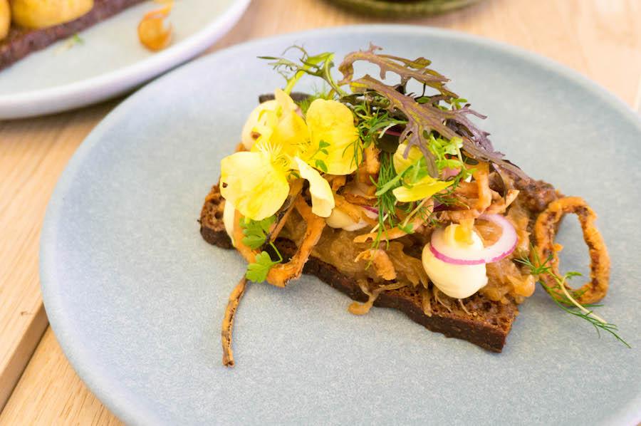 Smørrebrød met haring bij Aamanns Kopenhagen