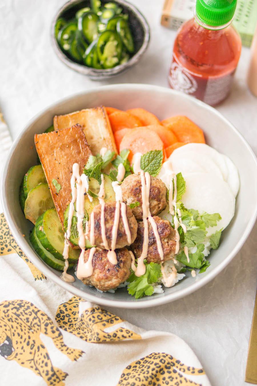 Vietnamese bowl met rettich