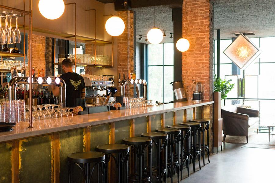 De bar van Café Cliché
