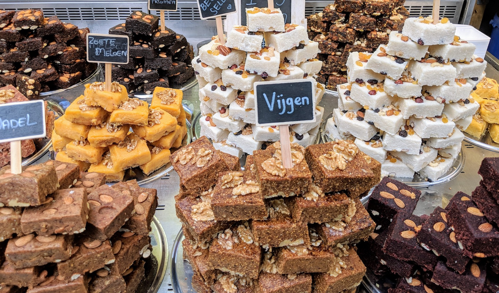 exotische gerechten Beverwijkse Bazaar kum cakes