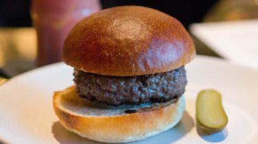 The Confidential Burger van Freddy's Bar