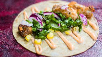 Grilled chicken tacos van Taqueria Lima