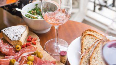Lunch en wijn in Parijs