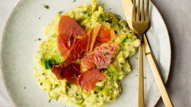 Afbeelding van spruitjesstamppot met krokante ham voor snelle recepten
