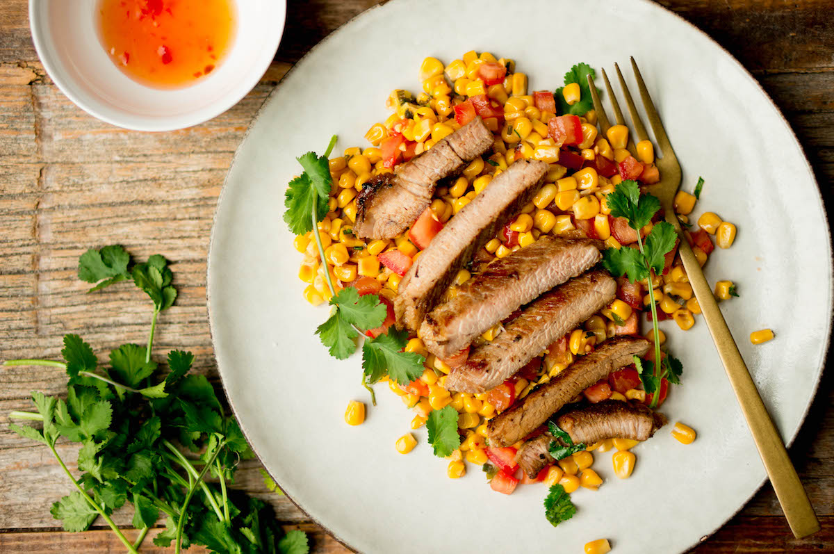 Vietnamees varkensvlees met salade van mais