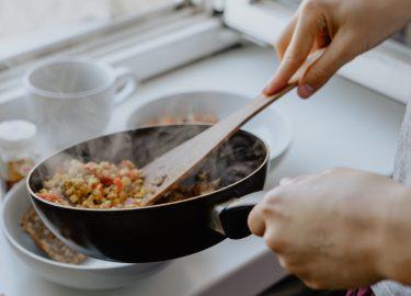 Tips van topchefs: verwarm je pan voor