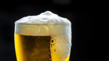 Bier in bierglas