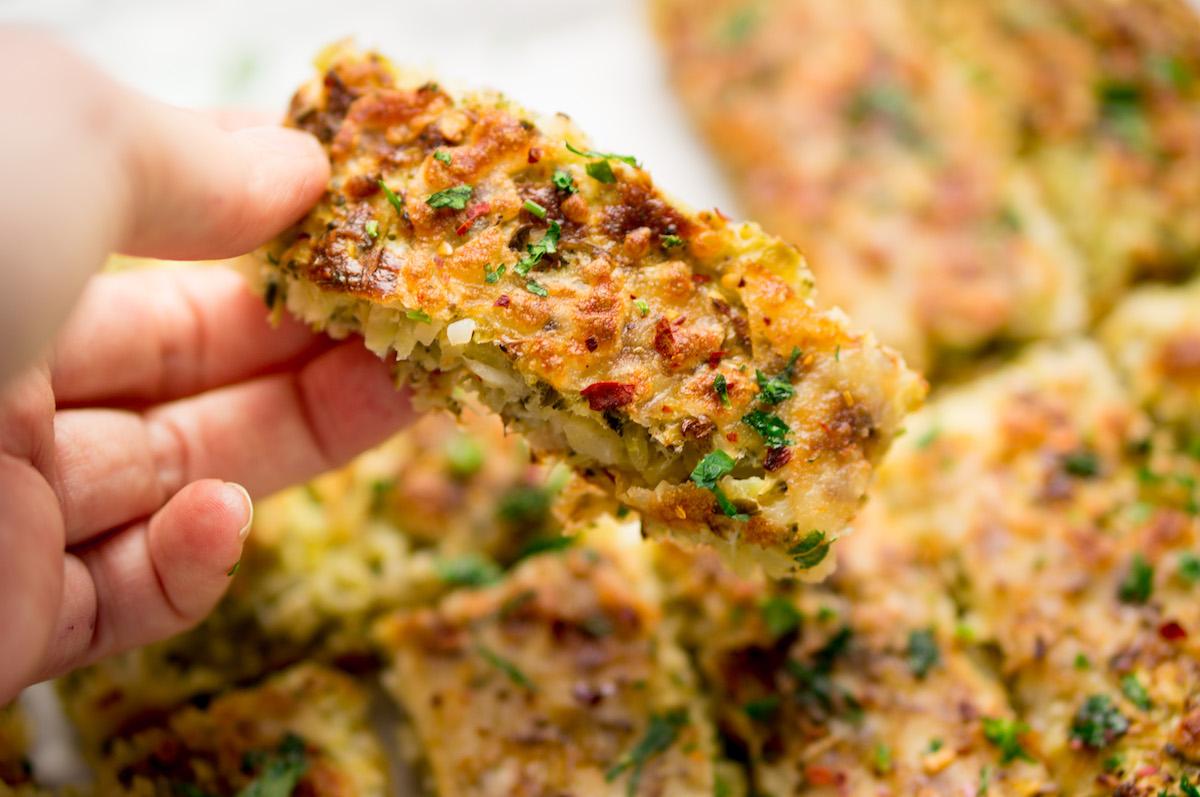 Stukje broccoli-kaasbrood