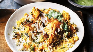 Speciale kip biryani van The Curry Guy