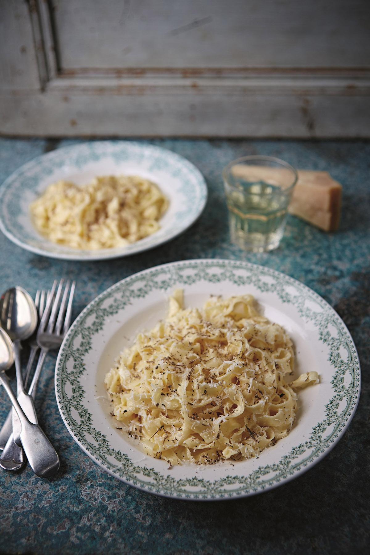 Goldie's Fettuccine Alfredo van Jamie Oliver