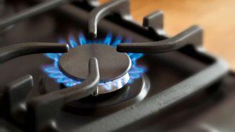 Brand in de keuken: alles over blussen en voorzorgsmaatregelen