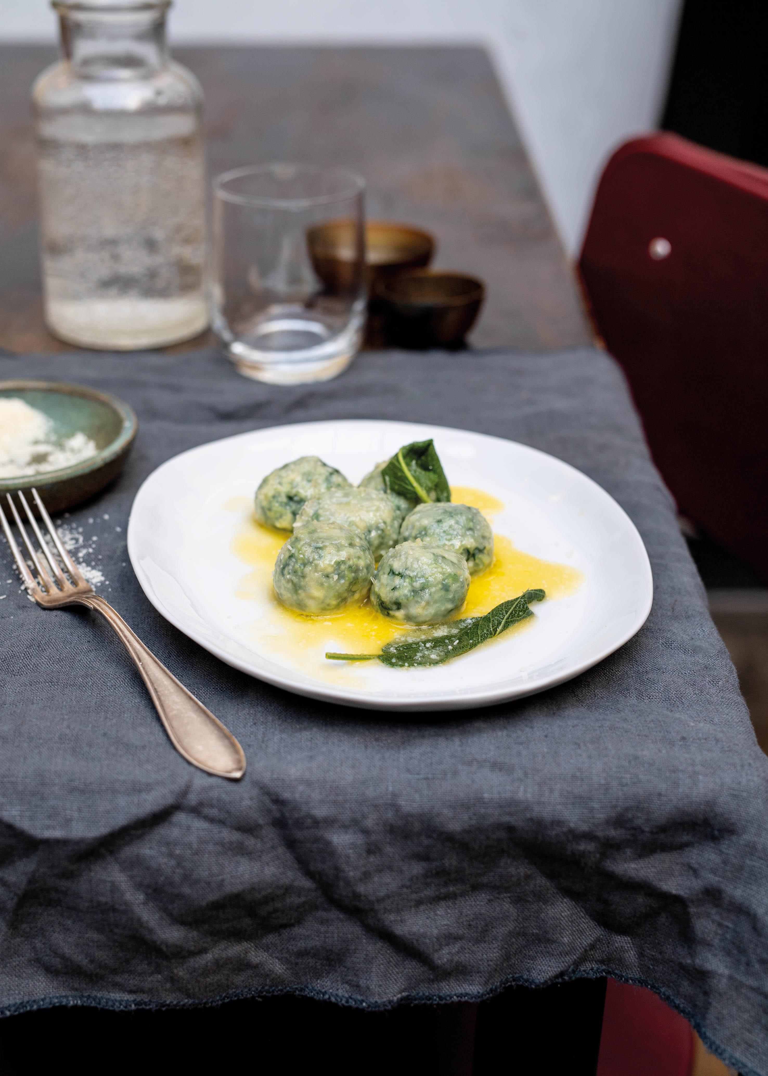 Afbeelding van spinazie-ricottaballetjes (malfatti) recept