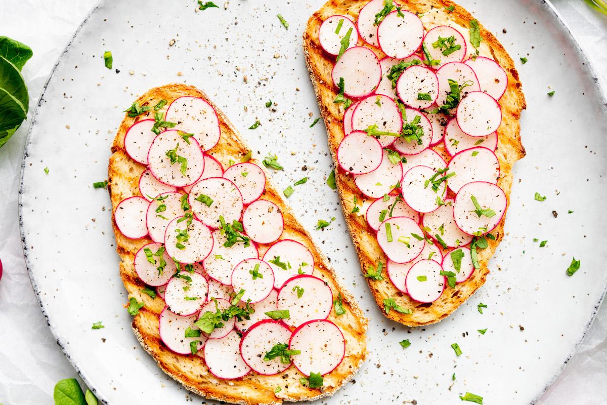 Toast met radijs en zoute boter